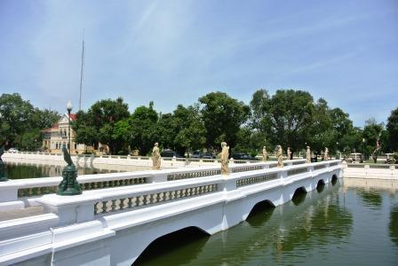 bangkok summer palace bridge
